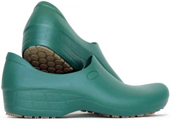 Surgical, Waterproof, Rubber-Like Work Clogs green