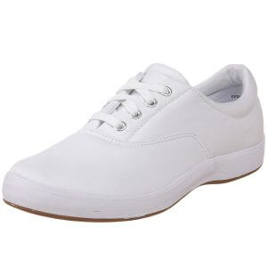 cute simple lace up white shoes for nurses or nursing school preppy flats sneakers tennis shoes