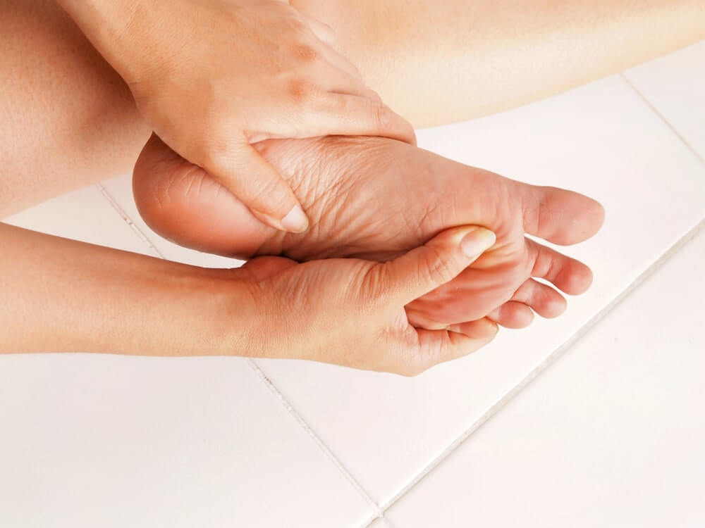 Five Best Shoes for Metatarsalgia Pain: Reviews and Comparison